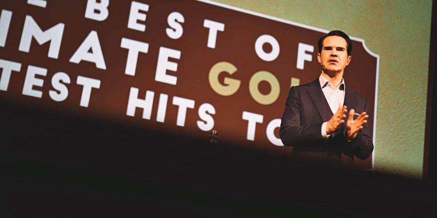 Jimmy Carr regressa a Portugal, em 2022, com novo espetáculo de stand-up comedy