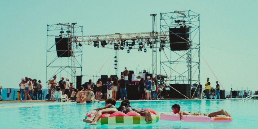 """Pedro Azevedo: """"O Aleste é um anti-festival e nasce para ser um dia de praia, uma residência artística e uma noite de clubbing"""""""