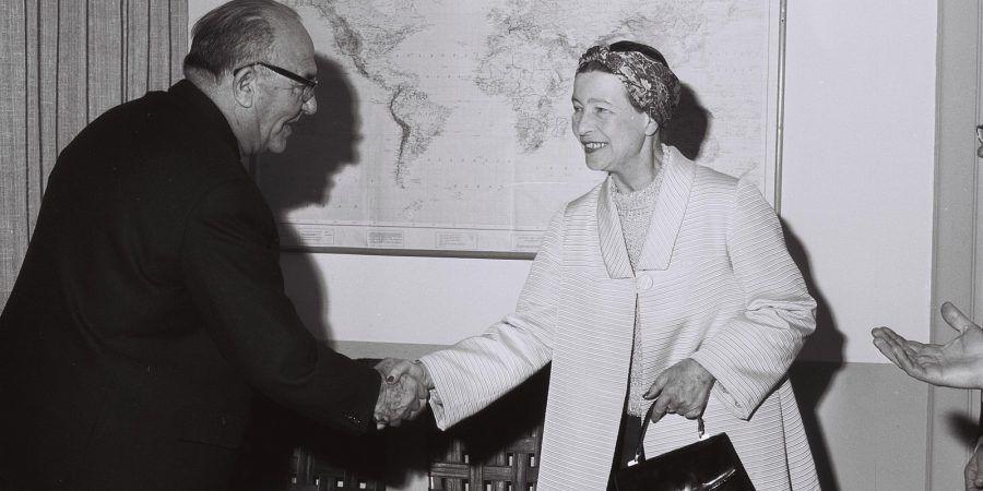 """Simone de Beauvoir: """"Não se nasce mulher, torna-se mulher"""""""