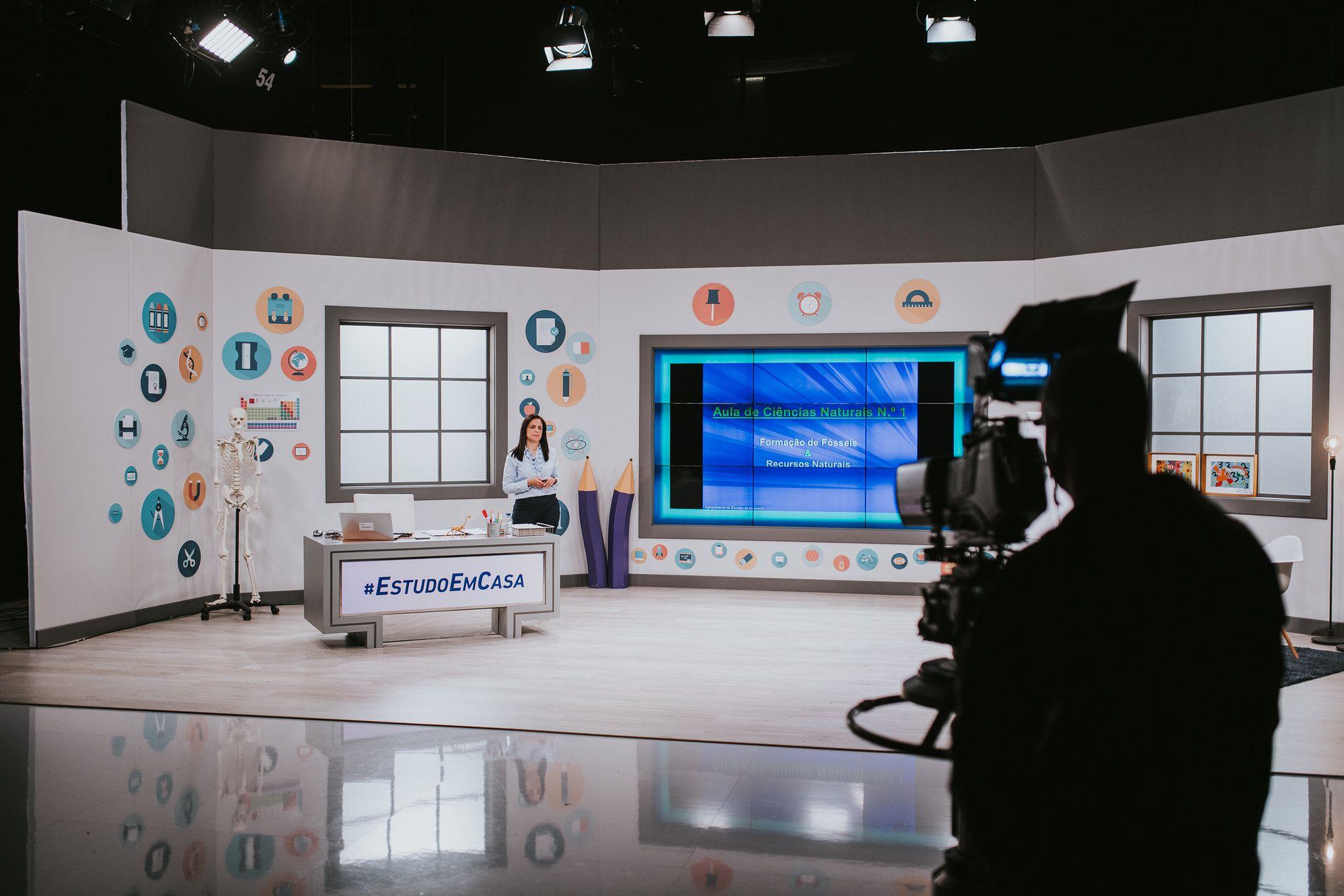 Conteúdo do Ensino Secundário será exibido na televisão, uma parceria entre o Ministério da Educação e a RTP