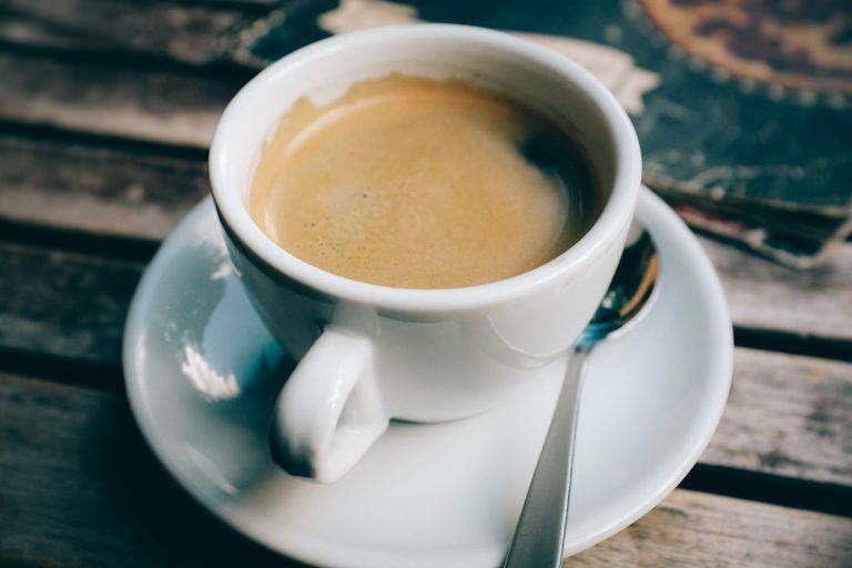 Estudo revela que cafeína é eficaz no tratamento de doenças da retina