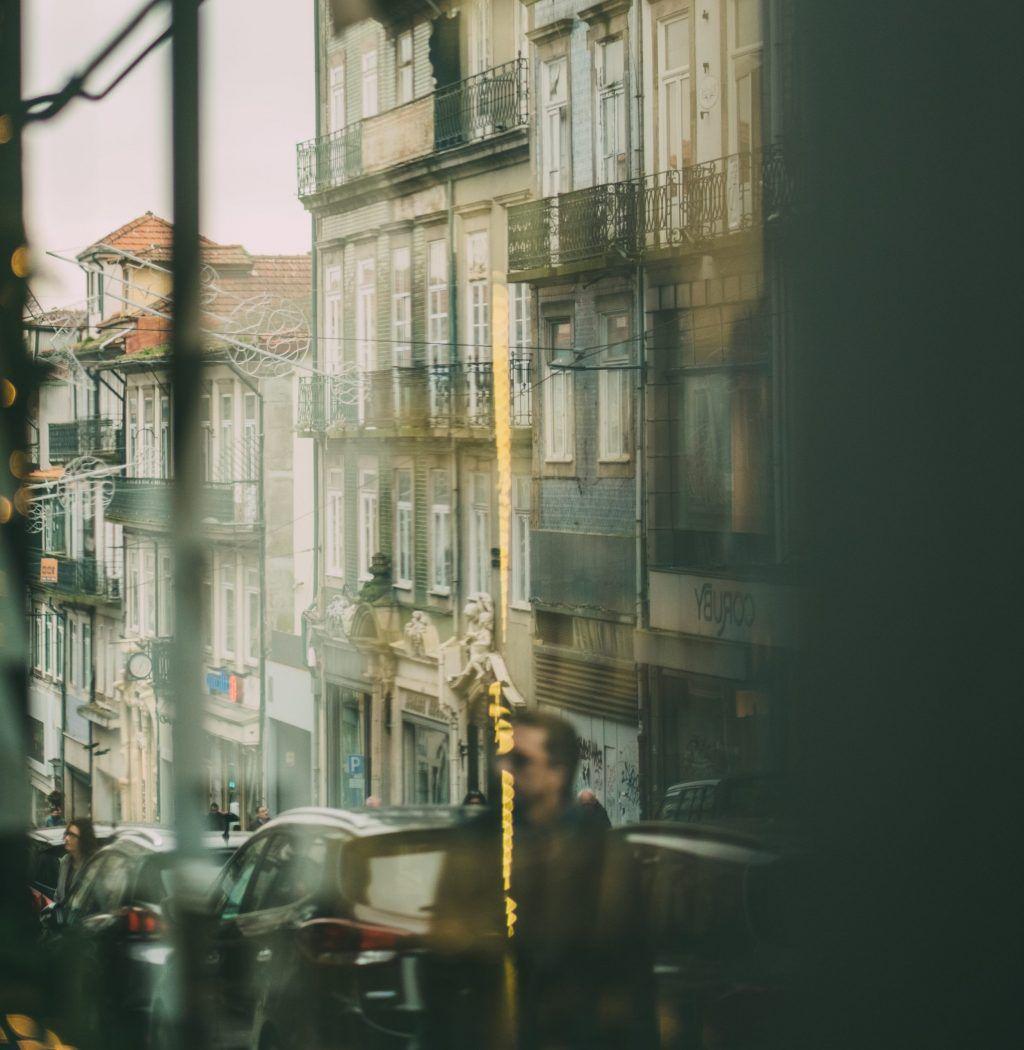 """Fotógrafa Inês Costa Monteiro faz exposição sobre """"Porto Urbano"""""""
