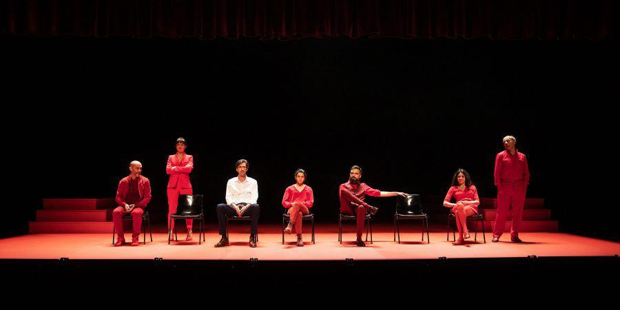 Teatro. Peça de Tiago Guedes, que conta com Bruno Nogueira no elenco, é transmitida no Facebook