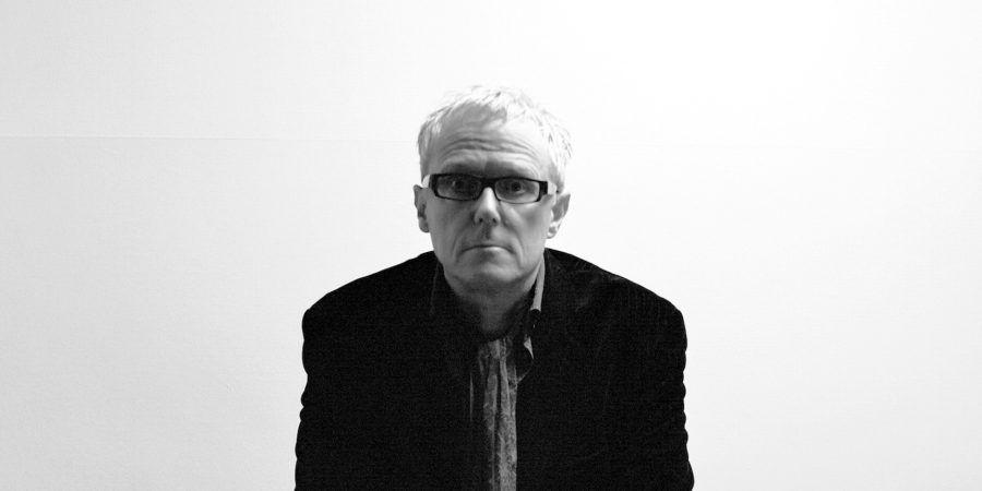 David J, baixista dos Bauhaus, dá dois concertos em Portugal