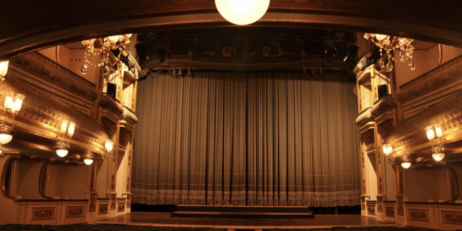 Teatros nacionais vão celebrar o 25 de Abril com programação especial online