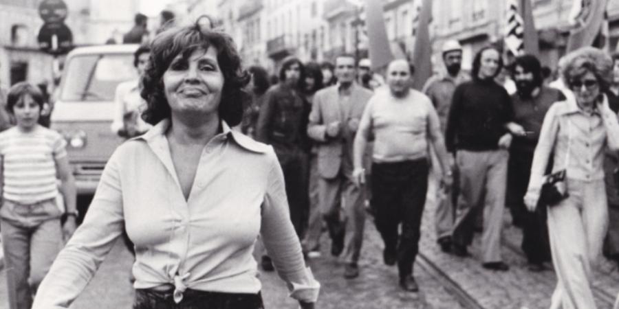 Biografia política de Amália Rodrigues, do jornalista Miguel Carvalho, editada no centenário de nascimento da fadista