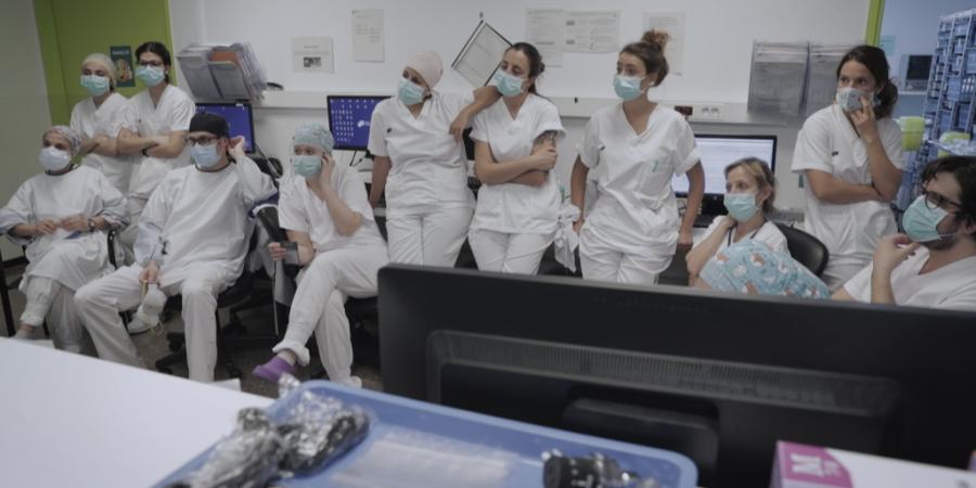 """""""Vitals"""". HBO estreia série documental sobre a pandemia da covid-19 num hospital de Barcelona"""