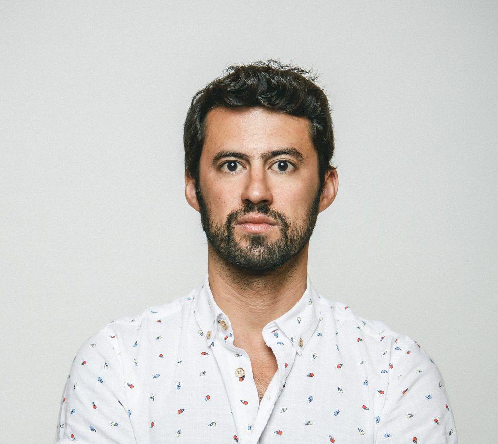 """Lisboa e Porto recebem estreia do solo de comédia """"Lugar Estranho"""", de Diogo Faro"""