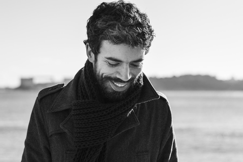 """Entrevista. João Tordo: """"Escrever um romance é uma espécie de ato de equilibrismo"""""""