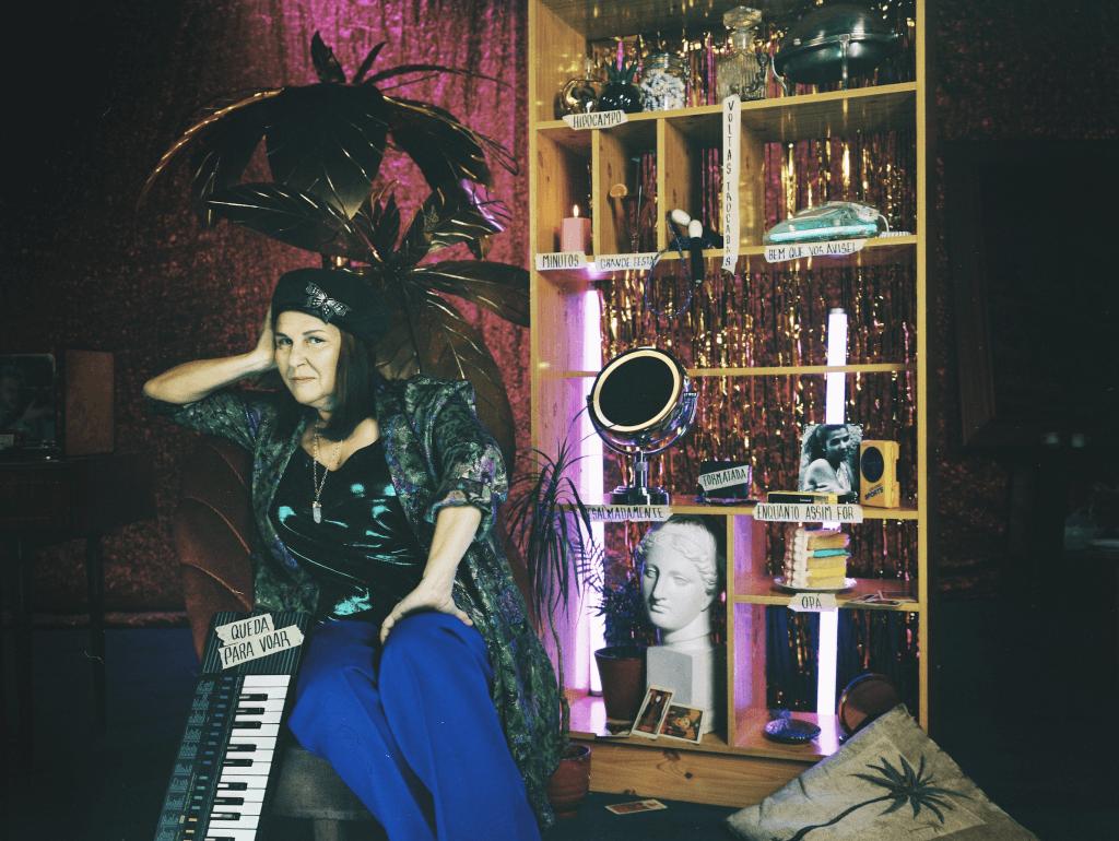 """Trinta anos depois, Lena d'Água regressa aos discos com """"Desalmadamente"""""""