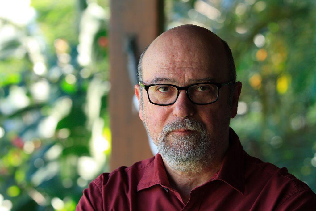 """Luiz Eduardo Soares: """"No Brasil naturalizámos o racismo estrutural e as desigualdades. Portanto, a própria violência"""""""