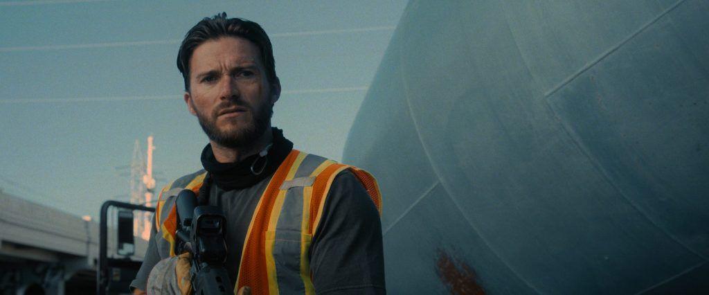 """Entrevista. Scott Eastwood: """"Para mim, ver o cinema a moldar a cultura em tempo real é o que mais me fascina"""""""