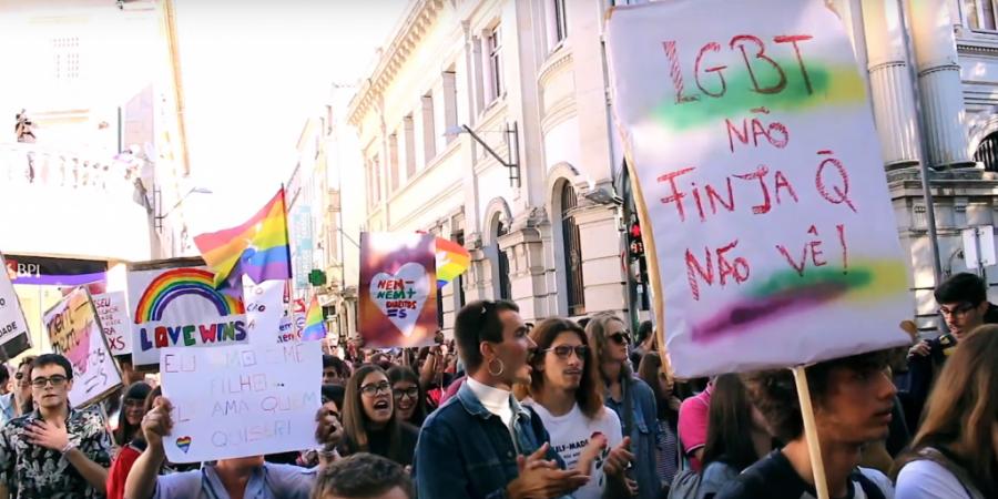 """""""Marchamos"""": um filme para te mostrar a importância de marchar pelos direitos LGBTI+"""