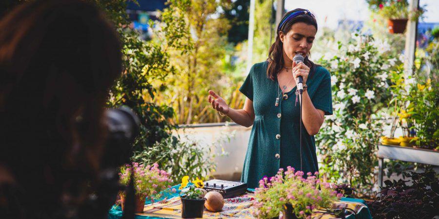 """Entrevista. Mariana Bragada: """"Assumo-me como um ser do mundo e não de uma só terra"""""""