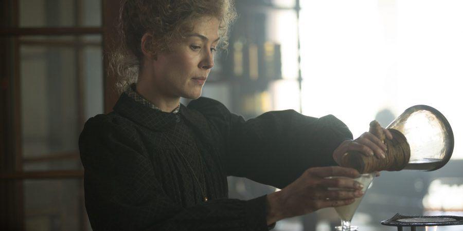 Filme sobre Marie Curie, a primeira mulher a ganhar um Nobel e a única com dois, estreia nos cinemas portugueses