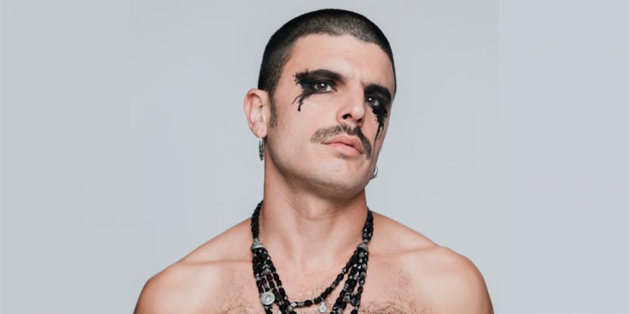 """Entrevista. Rodrigo Cuevas: """"Não gosto muito de modas, porque o pior que elas têm é que passam"""""""