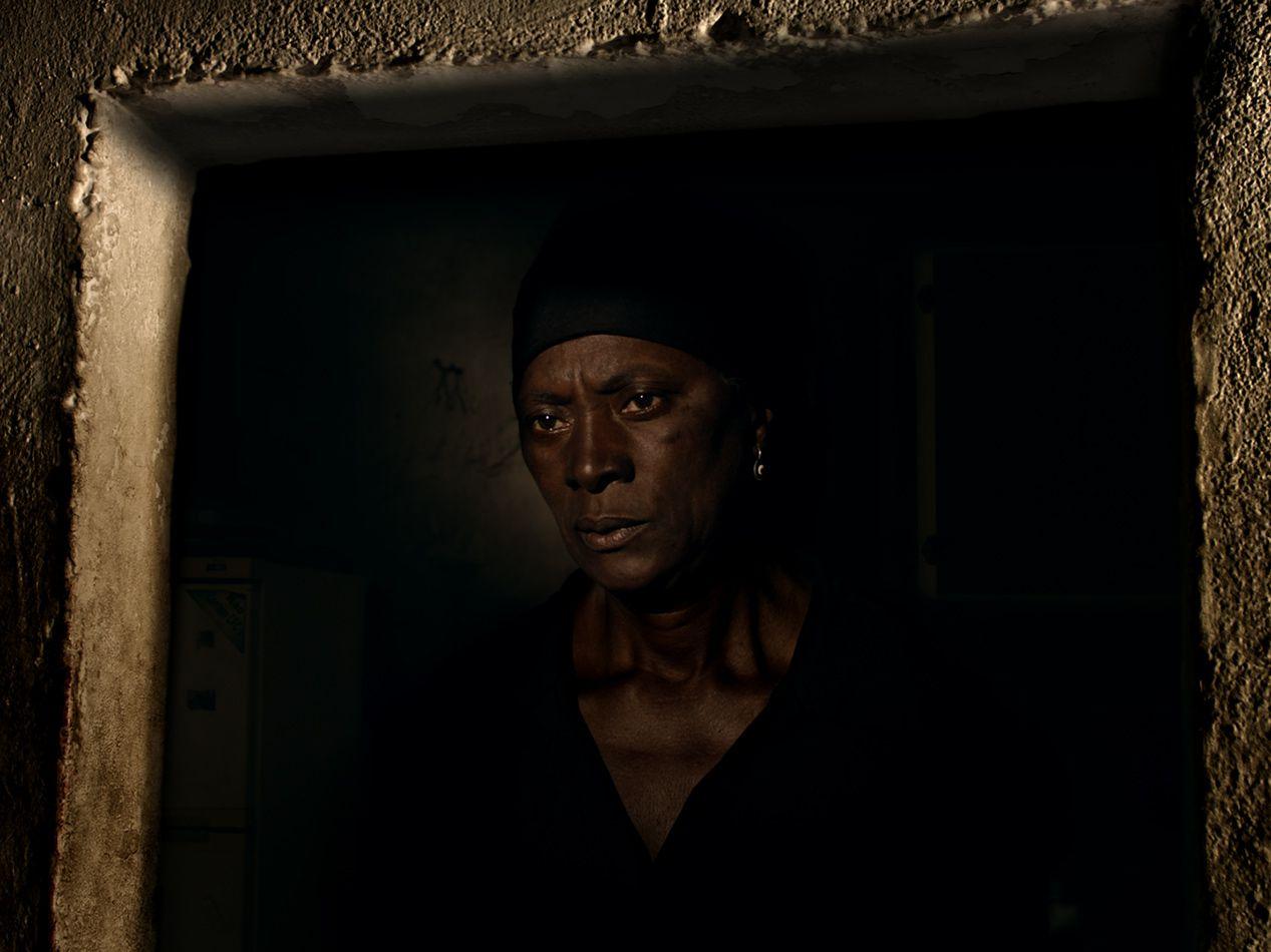 """""""Vitalina Varela"""", de Pedro Costa: um objecto cinematográfico sublime entre a vida e a morte"""