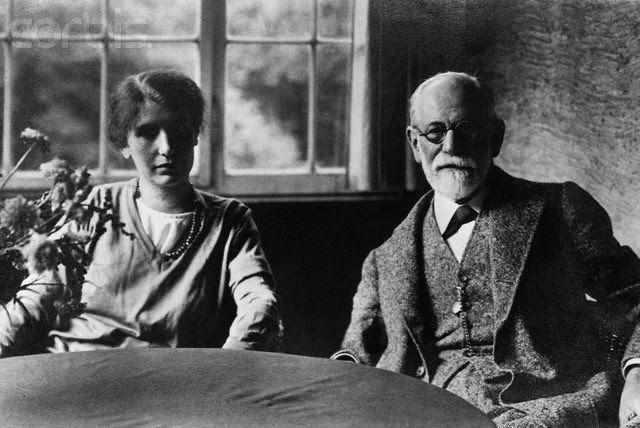 As mães da psicanálise infantil: Melanie Klein e Anna Freud