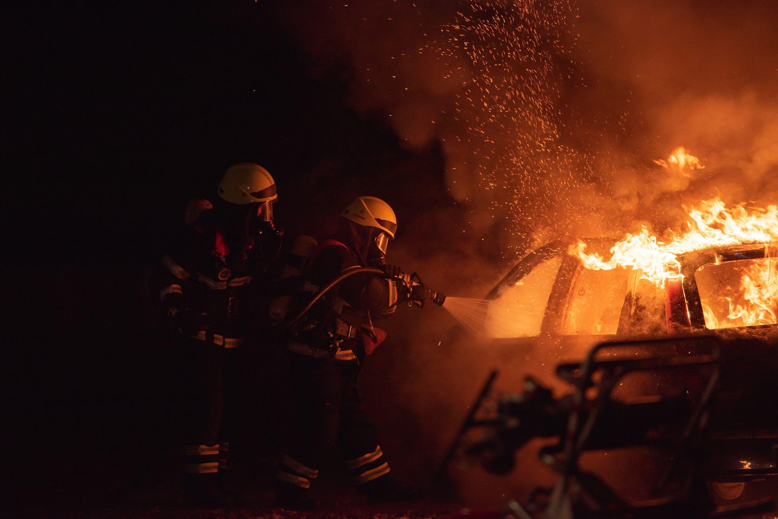 Estudo avalia o impacto do combate a incêndios na saúde mental dos bombeiros