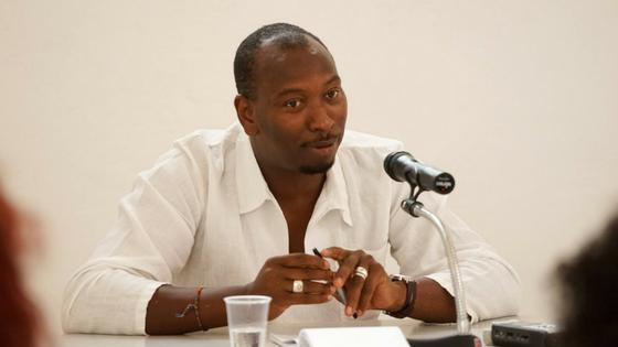 """Mamadou Ba: """"James Baldwin costumava dizer que quem tem de se curar do racismo são os brancos"""""""