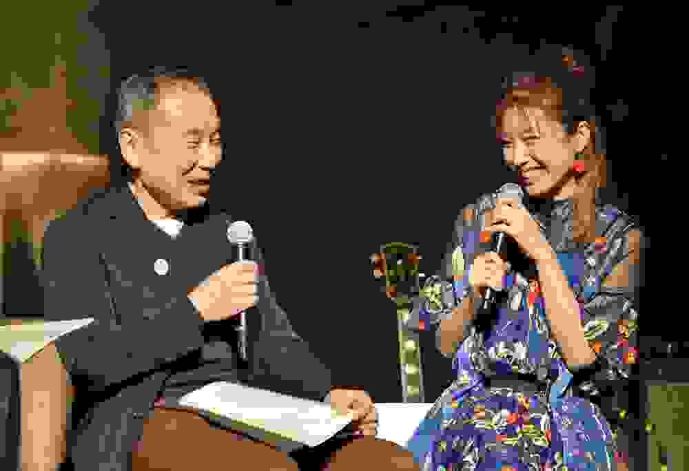 Haruki Murakami faz sessão na rádio com bossa nova para relaxar na pandemia