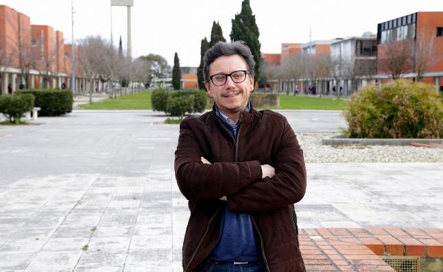 """Entrevista. José Carlos Mota: """"É importante transformar uma aula num permanente processo de inquietação, curiosidade e pesquisa"""""""