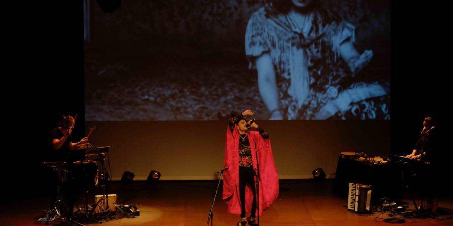 Não percamos de vista a poesia, lembrou-nos Rodrigo Cuevas