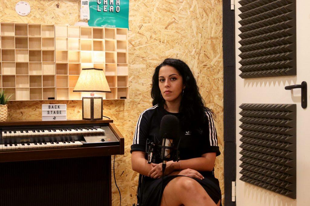 """Entrevista. Sara Correia: """"Canto há dezoito anos e acho só há três, quatro anos é que me descobri enquanto fadista"""""""