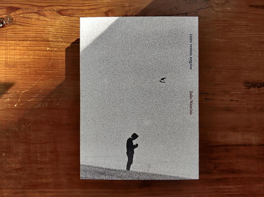 """Audiolivro de """"ventos negros"""", de João Narciso, fica disponível de forma gratuita. Com leitura de Ivo Canelas"""