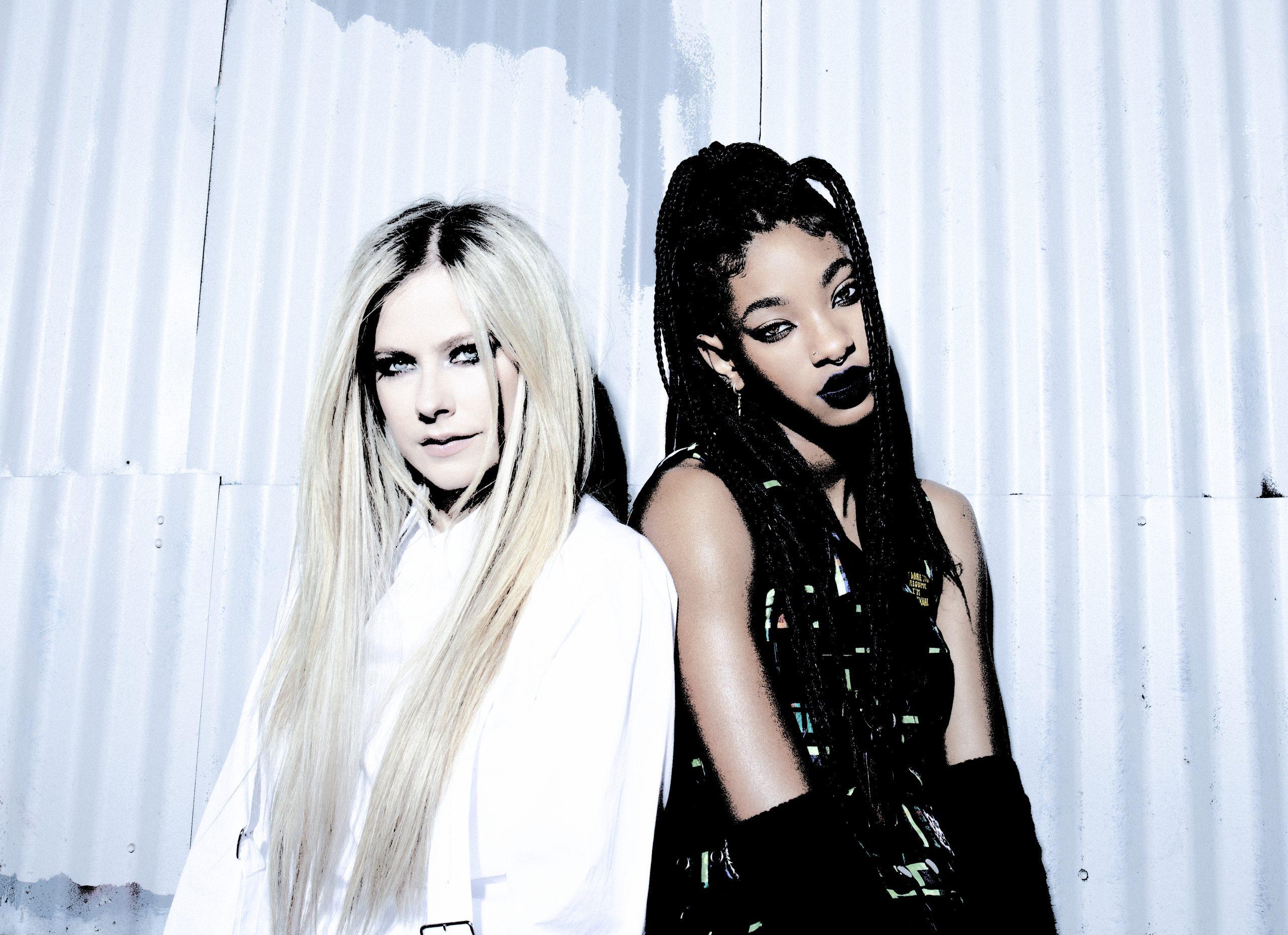 """Willow lança """"lately I feel Everything"""". Novo disco tem colaborações com Travis Barker e Avril Lavigne"""