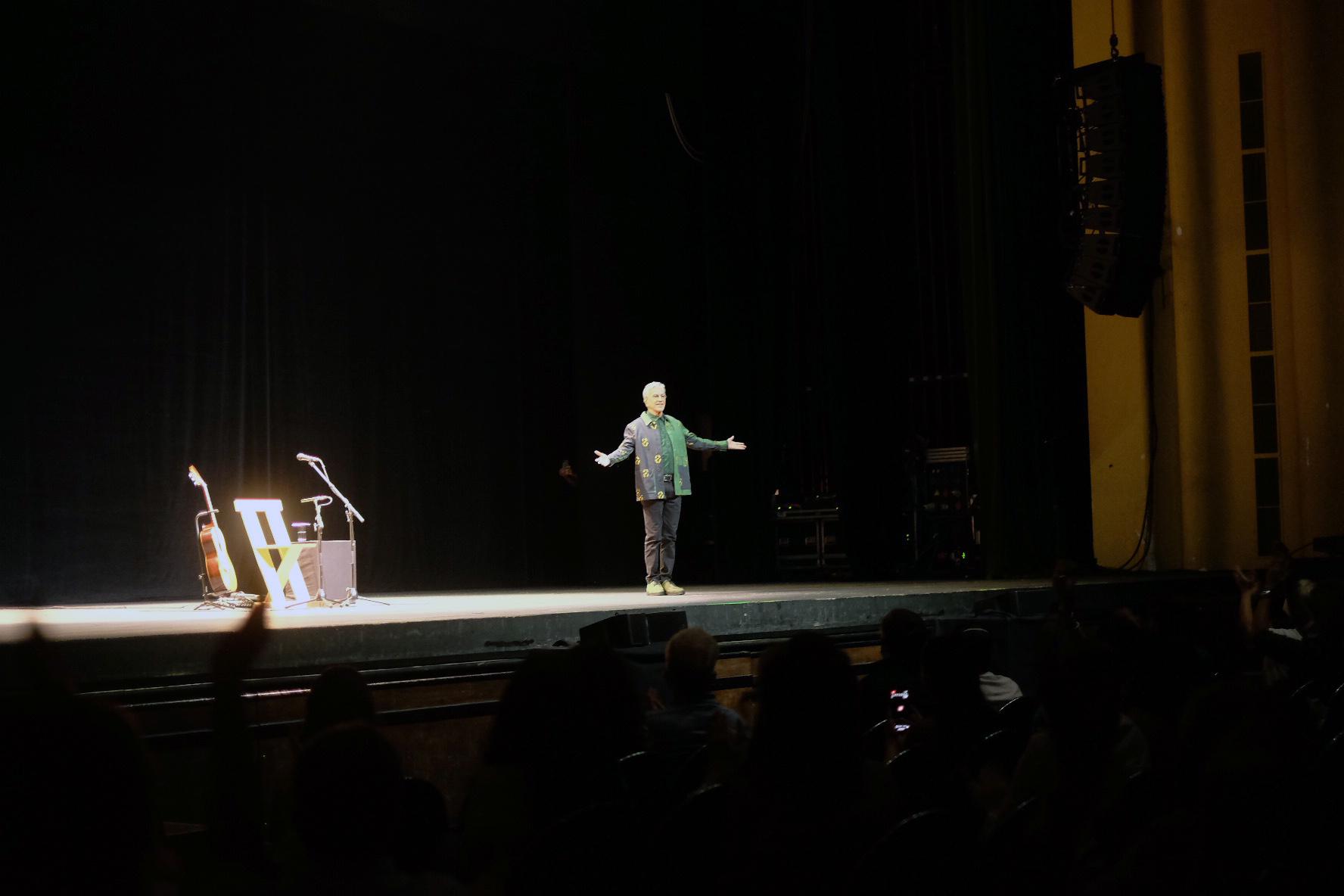 A bênção de Caetano Veloso no Porto