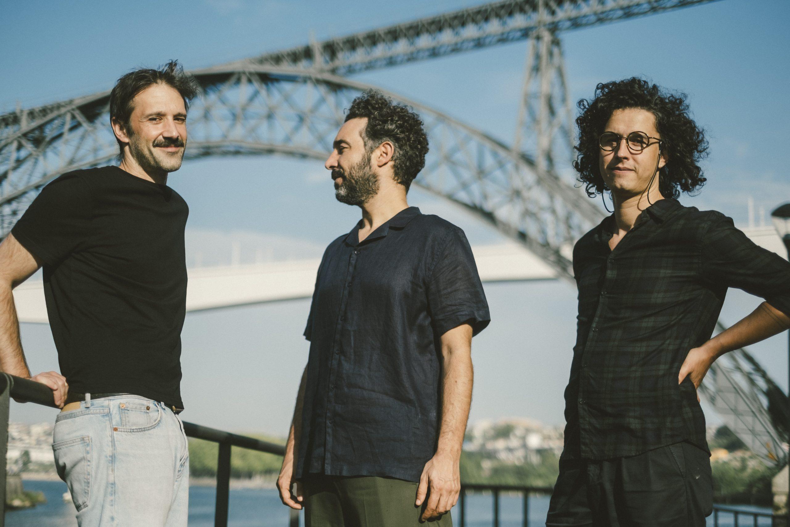 """Sensible Soccers dão a conhecer o primeiro single, """"Cantiga da Ponte, do próximo disco """"Manoel"""""""
