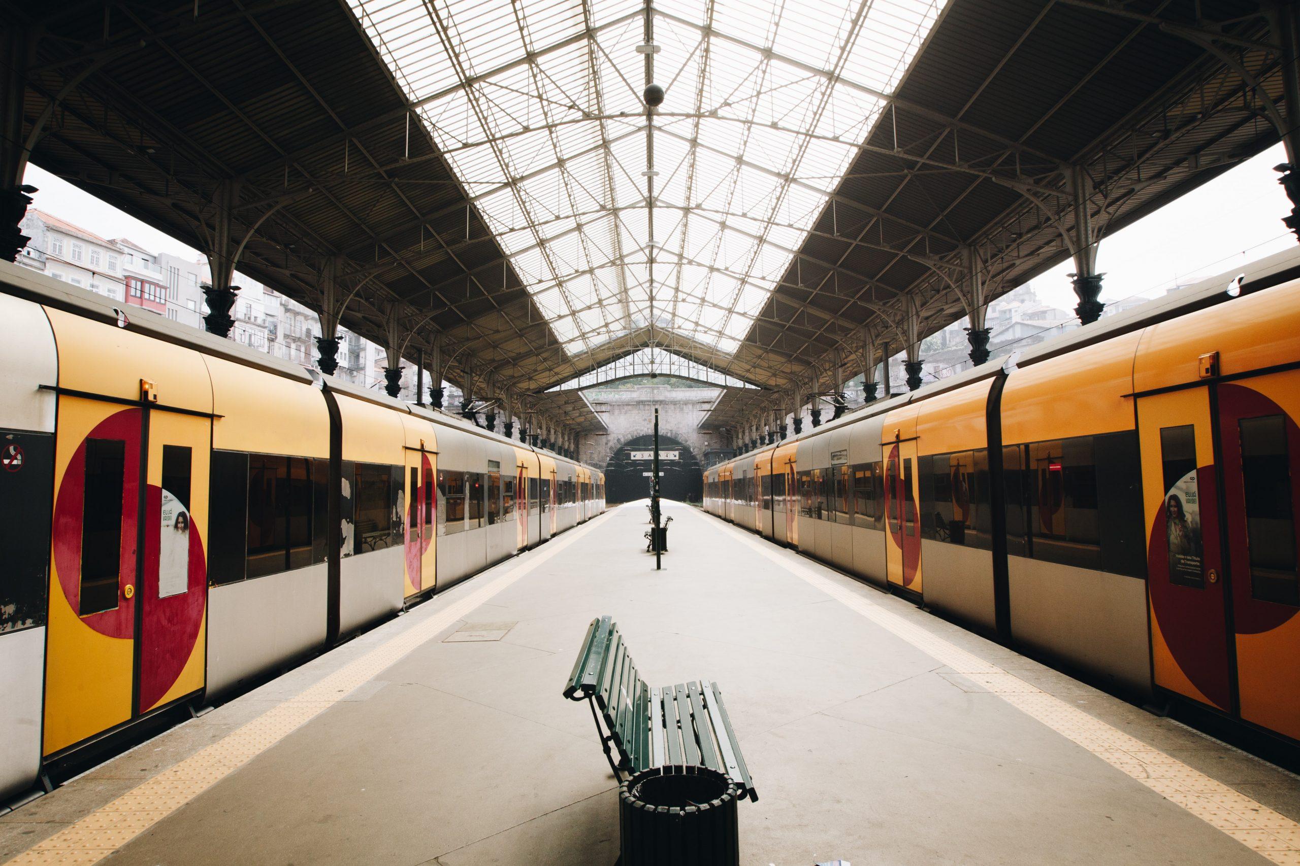 Comissão Europeia vai disponibilizar 60 000 passes ferroviários a jovens europeus