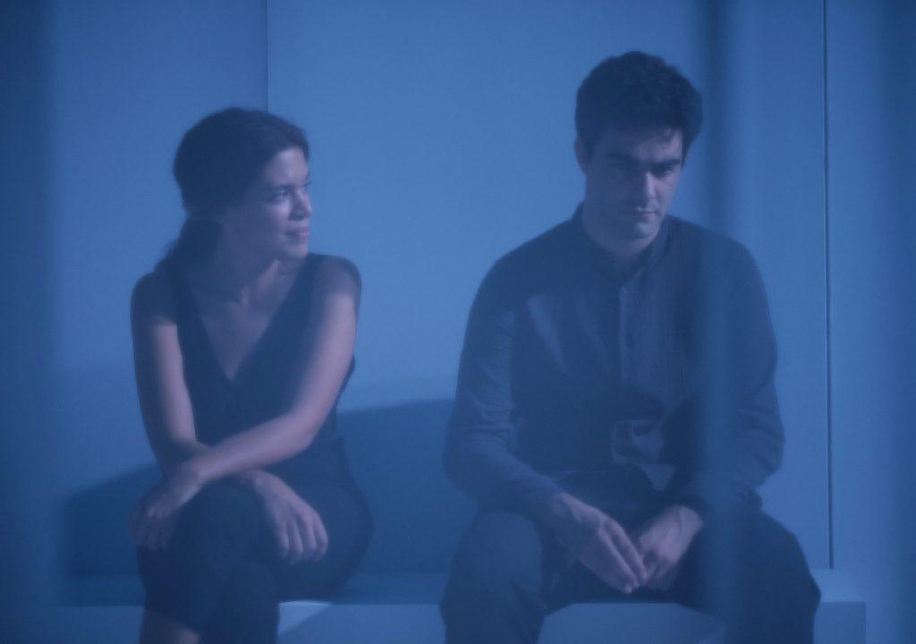 """""""Silêncio"""", de Cédric Orain e Guilherme Gomes: nem sempre as palavras nos salvam"""
